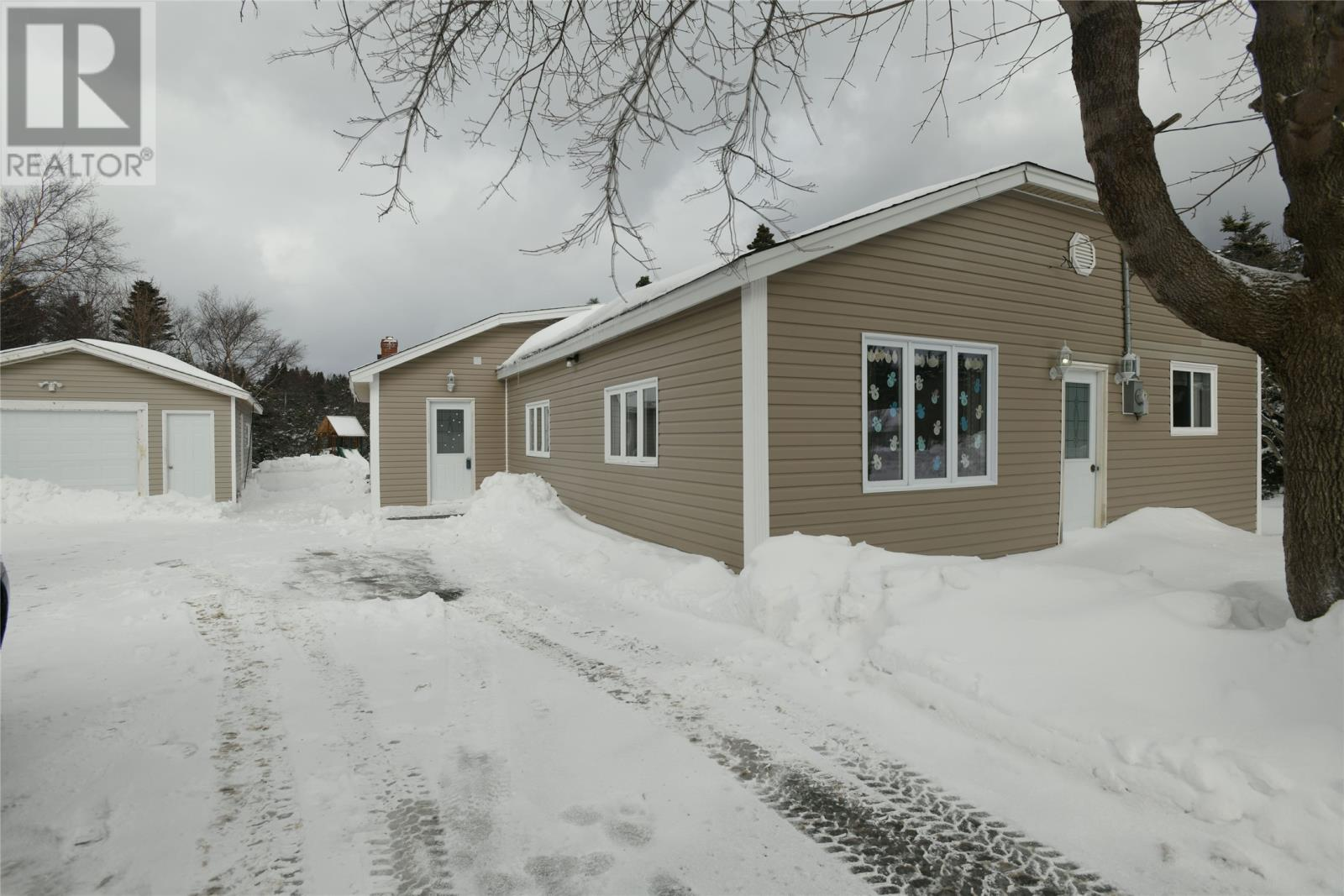236 Middle Cove Road