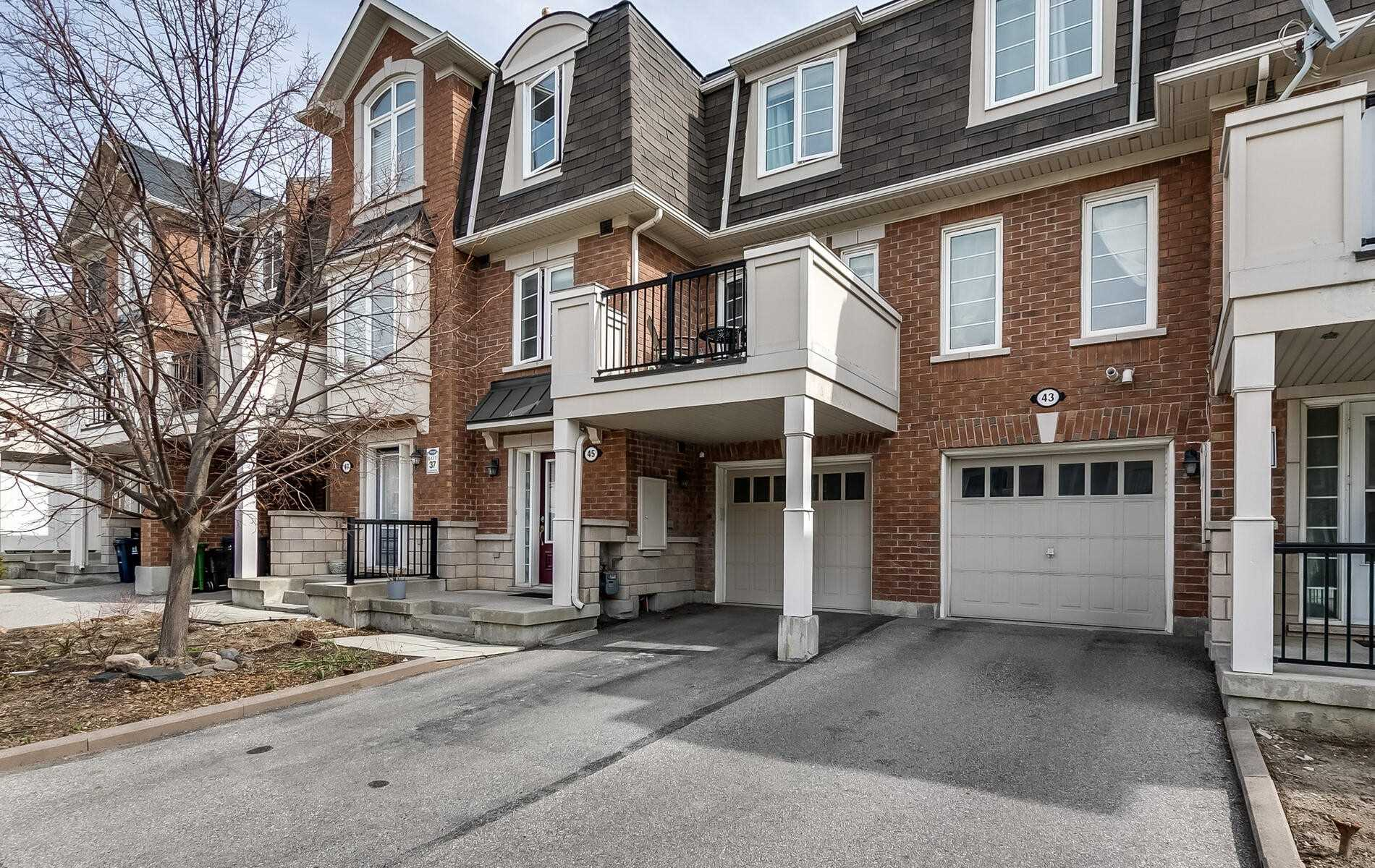 45 Ayers Cres