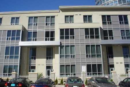 th105 - 36 Lee Centre Dr