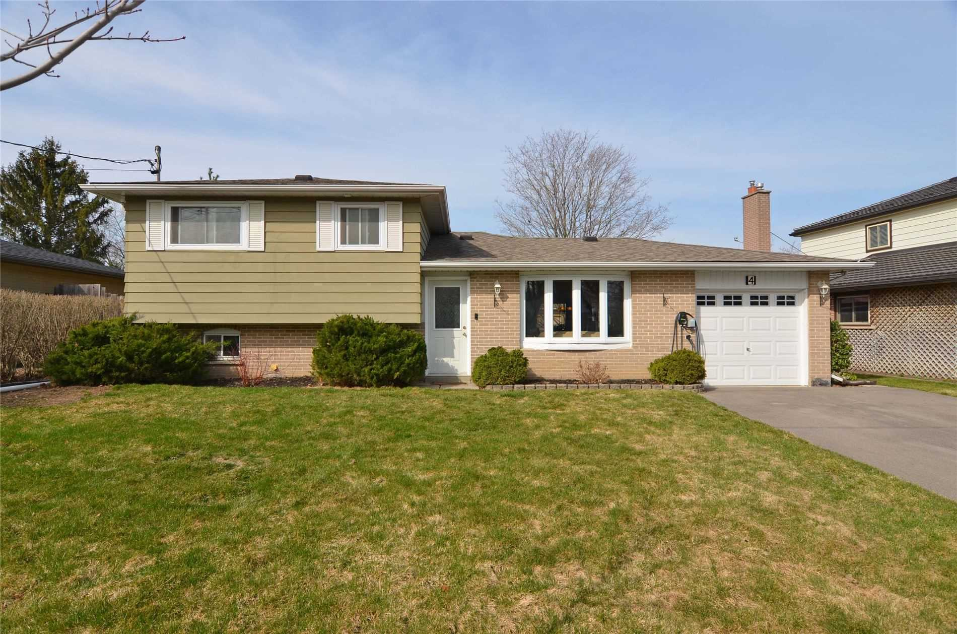 4 Willow Dr