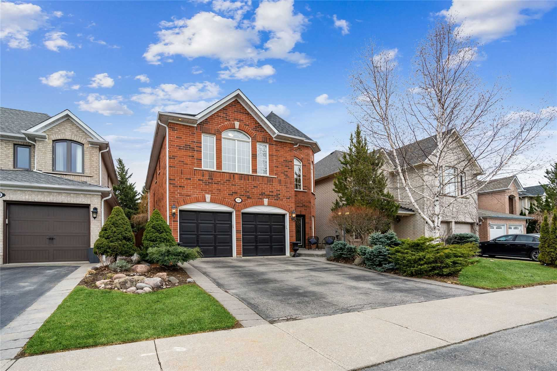 130 Hollybush Dr