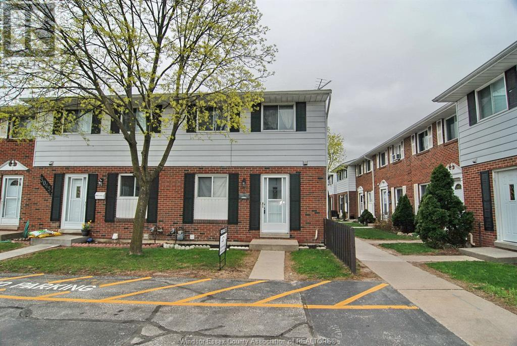 3043 Meadowbrook Lane