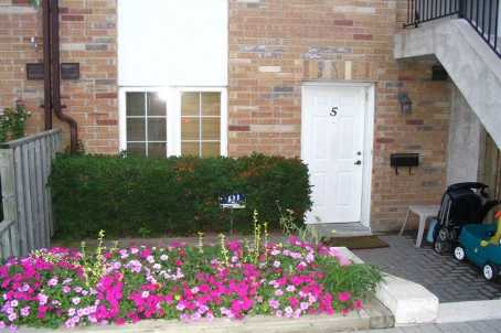 th 05 - 988 Sheppard Ave W