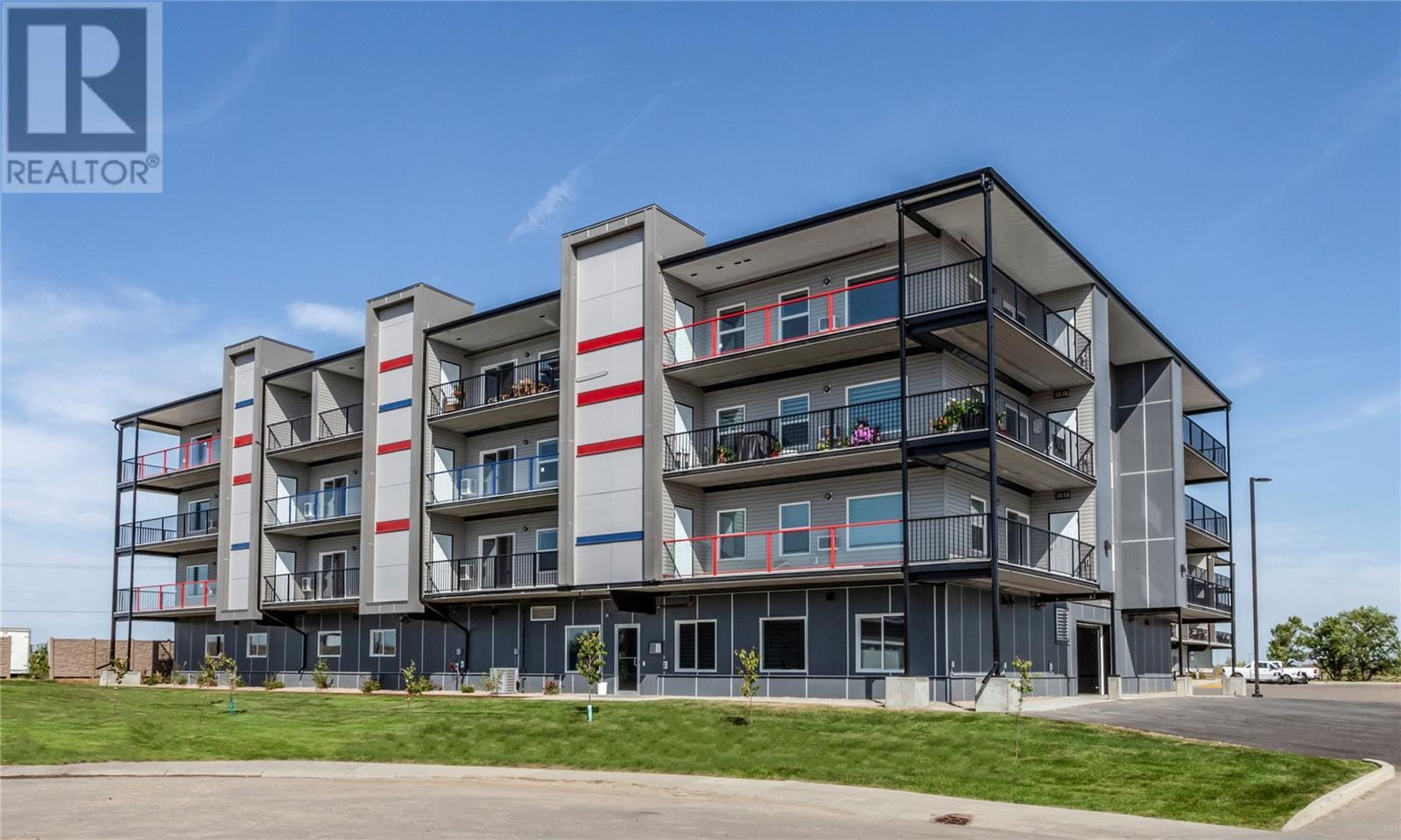 301 - 131 Beaudry Cres