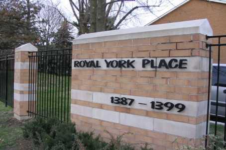 Th.38 - 1389 Royal York Rd