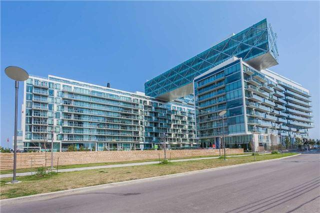 Th 120 - 39 Queens Quay E