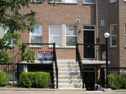 th217 - 760 Lawrence Ave W