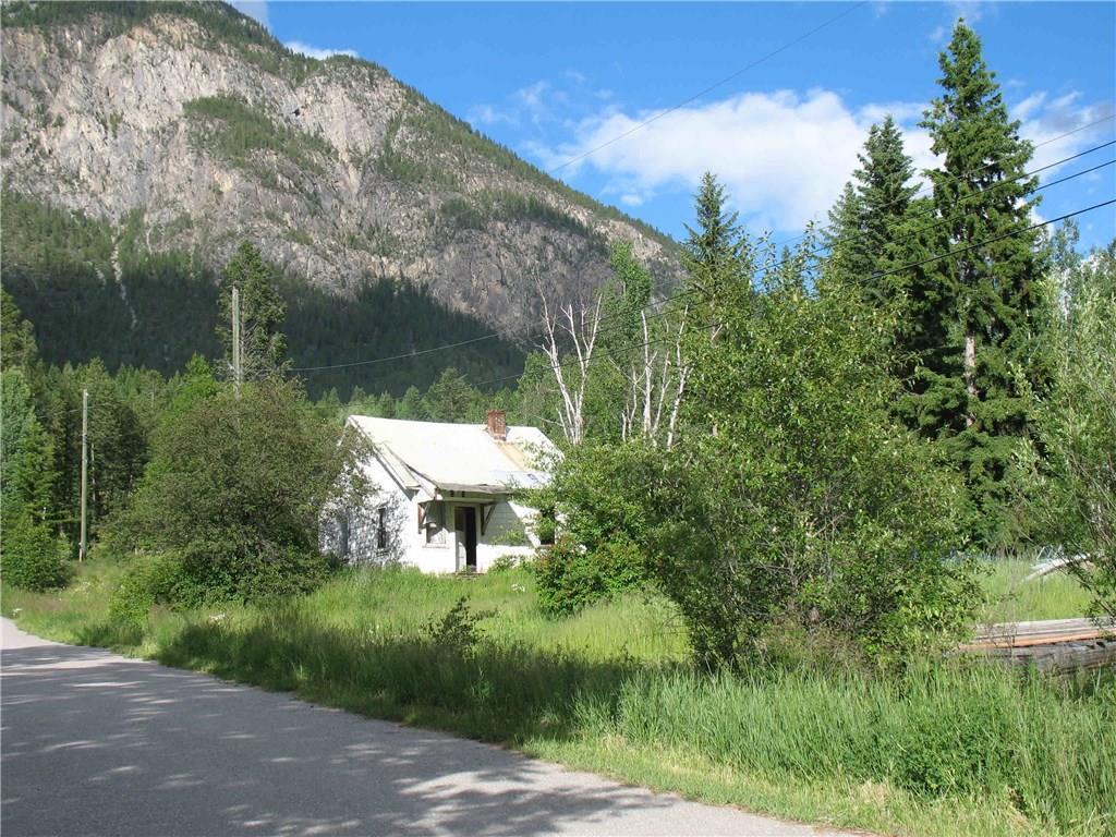 5016 Beaverfoot Street