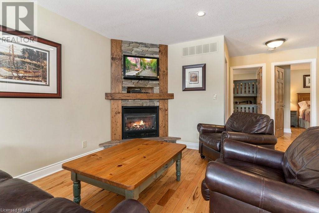 1052 Rat Bay 132 Algonquin Cottage Week 9 Road